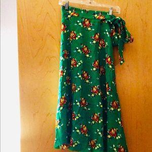 Midi skirt in beautiful green floral print